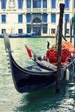 Gondol i Venedig fotografering för bildbyråer