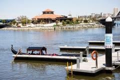 Gondola ad Elizabeth Quay Jetty nella città di Perth Immagine Stock Libera da Diritti