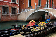 Free Gondola In Venice Royalty Free Stock Images - 23665519