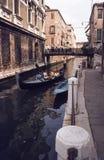 Gondola na kanale w Wenecja Obrazy Stock