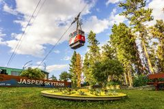 Gondola rossa di Jasper SkyTram, Alberta, Canada Fotografie Stock Libere da Diritti