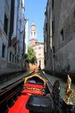 Gondola rossa e nera Fotografia Stock