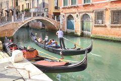 Gondolas and gondoliers Royalty Free Stock Photography