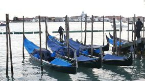 Gondolboten op Grand Canal stock footage