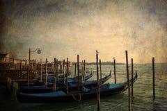 Gondole che parcheggiano - Venezia, Italia Immagine Stock