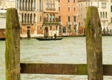 Gondole de Venise sur Grand Canal Photographie stock libre de droits