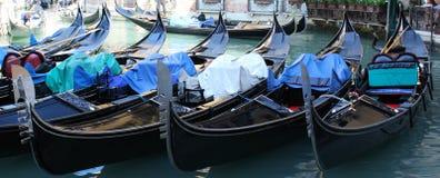 Gondole di Venezia panoramiche fotografia stock libera da diritti