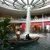 Gondole in Singapour. Gondole in mall of Singapour marina Bay royalty free stock image