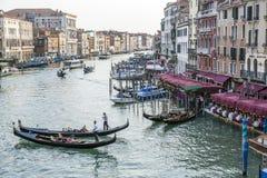 Gondole sur Grand Canal, Venise, Italie Photographie stock libre de droits