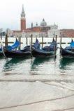 Gondole veneziane con alta marea Fotografia Stock Libera da Diritti