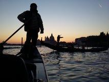 Gondoler i den Venetian lagun royaltyfria foton