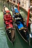 2 gondoler på kanalen Royaltyfria Foton