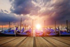 Gondoler som guppar i lagun utanför San Marco Piazza Venice Italy Royaltyfri Fotografi