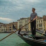Gondolero veneciano Fotos de archivo libres de regalías