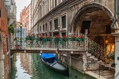 Gondoles sur le canal, Venise Photo libre de droits