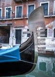 Gondolfartyg i Venedig Arkivbild