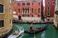 Gondoliere in gondola Venezia Fotografia Stock Libera da Diritti