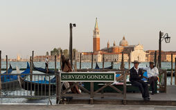 Gondoliers waiting for tourists Royalty Free Stock Photos