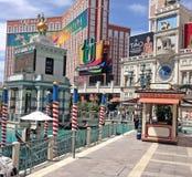 Gondolritterna på det Venetian hotellet Royaltyfri Fotografi