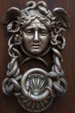 Gong på dörren Arkivbild