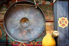 Gongo e malho em um templo budista Imagem de Stock Royalty Free