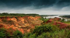 Gongoni, wąwóz czerwieni ziemia, India obrazy stock