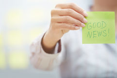 Good news text on adhesive note Royalty Free Stock Images