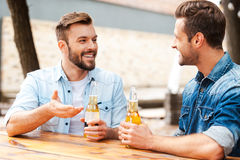 Good talk with friend. Royalty Free Stock Photography