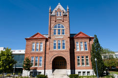 Goodes Hall Building na universidade do ` s da rainha - Kingston - Canadá imagens de stock royalty free