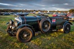 GOODWOOD, SUSSEX/UK DEL OESTE - 14 DE SEPTIEMBRE: El vintage Bentley parqueó Fotos de archivo