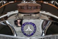 GOODWOOD, WEST SUSSEX/UK - SEPTEMBER 14 :Vintage Mercedes radiat Royalty Free Stock Images