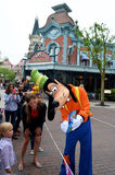 Disney Goofy signing autogragh Stock Photography