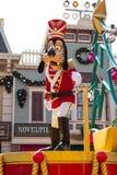 GOOFY vier het Nieuwjaar van Kerstmis Stock Fotografie