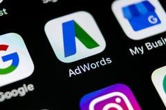 Google Adwords applikationsymbol på närbild för skärm för Apple iPhone X Den Google annonsen uttrycker symbolen Google AdWords ap Royaltyfri Fotografi
