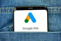 Google-Anzeigen neues Logo und App stockfotos
