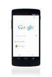 Google busca página web en el nexo 5 de Google Imagenes de archivo