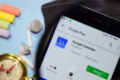 Google Calendar dev app z powiększać na Smartphone ekranie fotografia royalty free