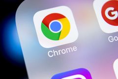 Google Chrome application icon on Apple iPhone X screen close-up. Google Chrome app icon. Google Chrome application. Social media. Sankt-Petersburg, Russia stock photos