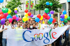 Google Dublin que participa na parada 2010 do orgulho Fotografia de Stock Royalty Free