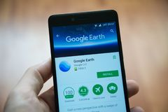 Google Earth应用在谷歌戏剧商店 免版税图库摄影