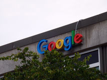 Google-Embleem aan Kant van de Bouw Royalty-vrije Stock Afbeelding