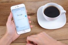 Google es una sociedad multinacional americana que se especializa en Internet Fotos de archivo libres de regalías