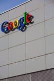 Google Korporation byggnadstecken Royaltyfri Foto