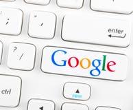 Google logotype op een toetsenbordknoop Royalty-vrije Stock Foto
