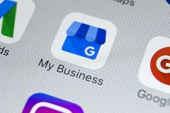 Google Mój Biznesowego zastosowania ikona na Jabłczany X iPhone parawanowym zakończeniu Google Mój Biznesowa ikona Google Mój biz Zdjęcie Stock