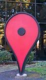 Google Maps '您在这里'在谷歌办公室前面的标志 库存照片
