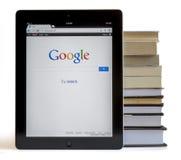 Google op iPad 3 Stock Foto's