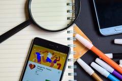 Google-Pasvorm - Geschiktheid die App op Smartphone-het scherm volgen stock foto's
