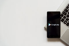 Google play logo on smartphone screen Royalty Free Stock Photos