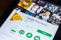 Google sztuki Muzyczna wisząca ozdoba app na pokazie pastylka pecet Ryazan Rosja, Marzec - 21, 2018 - Zdjęcie Stock